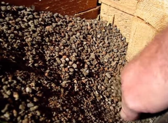 Керамзит обладает многими ценными свойствами, которые не присутствуют у современных утеплительных материалов